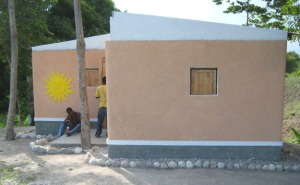 Earthbag Sun House in Haiti was undamaged by recent earthquake