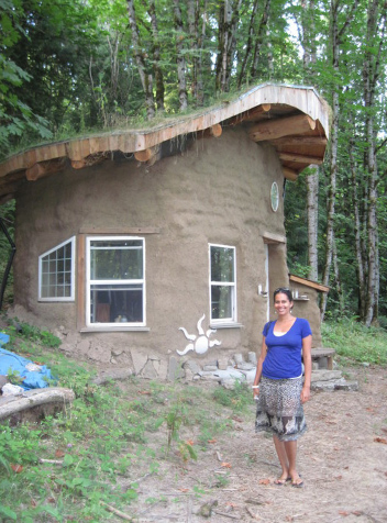 Earthbag cabin in Portland, Oregon, built by Scott Howard of Earthen Hand Natural Building