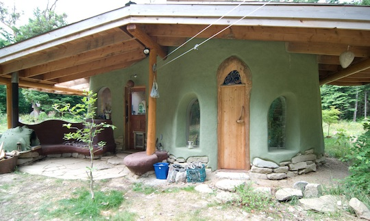 Beautiful houses natural building blog - The cob house the beauty of simplicity ...