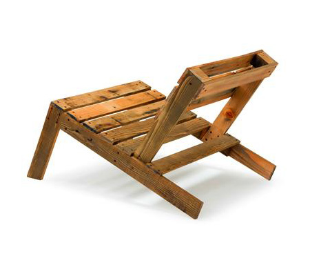 Recycled shipping pallet furniture