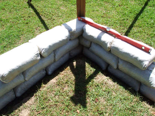 Visit Instructables.com for the best how-to articles on a wide range of topics, including earthbag building.