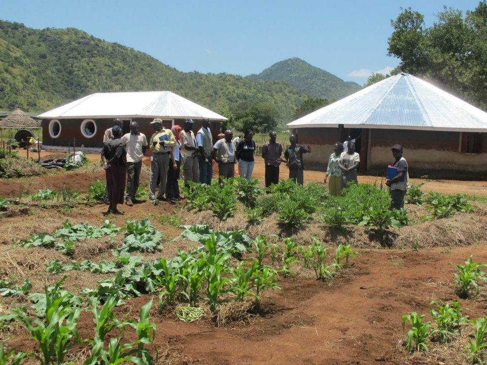 Earthbag Uganda (click to enlarge)