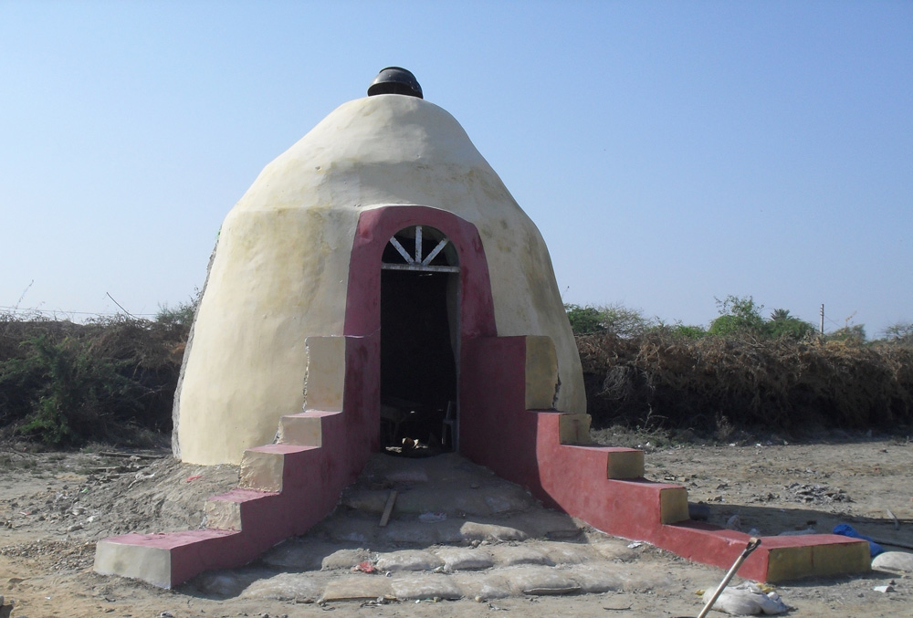14' earthbag dome funded by UNDP Pakistan (click to enlarge)