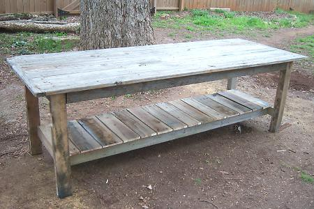 $2 farmhouse coffee table from pallets