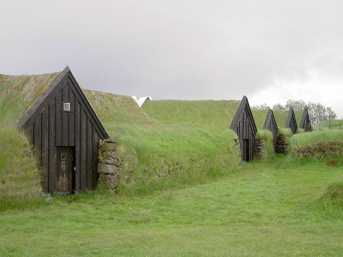 Earth covered farm homes in Keldur, Iceland. These were built in 1193, and are supposedly the oldest buildings in Iceland. (click to enlarge)