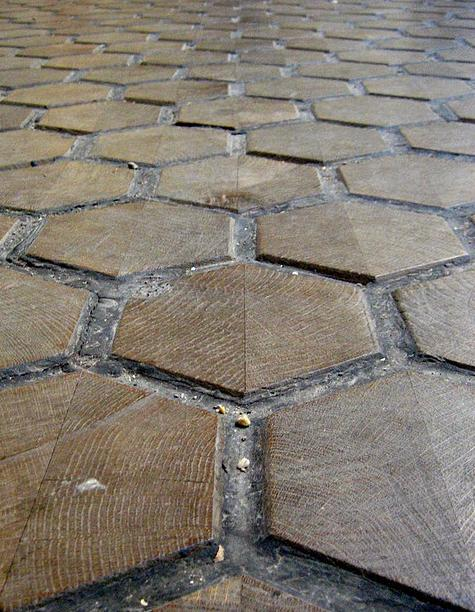 Hexagonal end grain wood flooring