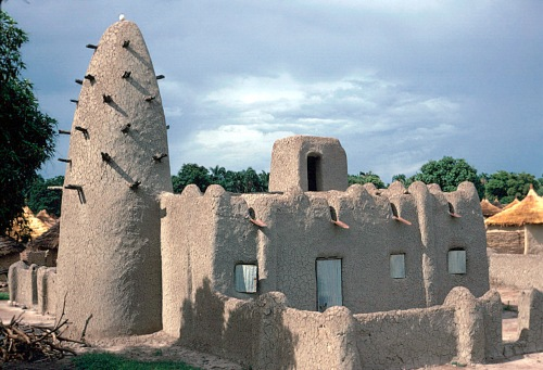"Desert vernacular architecture – ""the word refers to the type of architecture that is indigenous to a specific time or place and is not copied / imported from anywhere else."" (click to enlarge)"