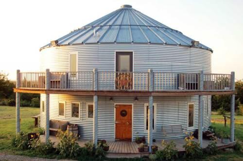 Nice grain bin house (click to enlarge)